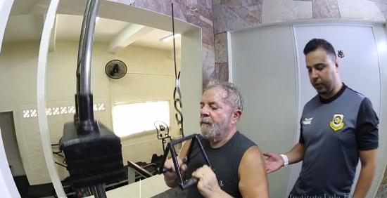 lula faz exercicios mostrando boa forma após tratamento contra câncer