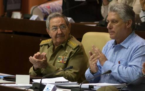 Raúl Castro e Miguel Díaz-Canel
