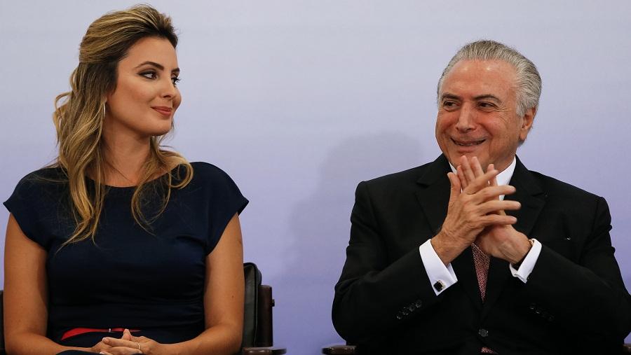 A primeira-dama, Marcela Temer, e o presidente Michel Temer na cerimônia do 8 de março no Palácio do Planalto. Beto Barata / PR